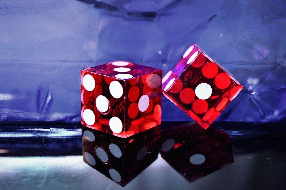casino 3282568 960 720 - Miten pelaaja valitsee turvallisia nettikasinopelejä?
