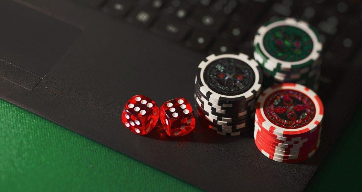 dice 5012425 1280 1210x642 - Nettikasino: kasinoiden uusi versio